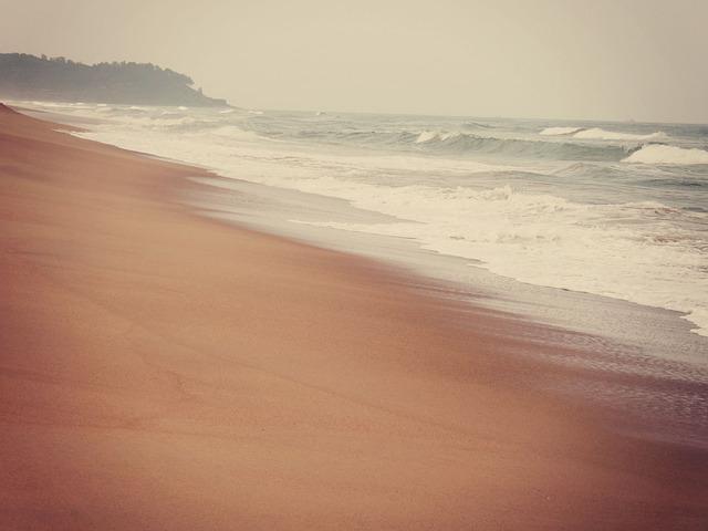 beach-405615_640