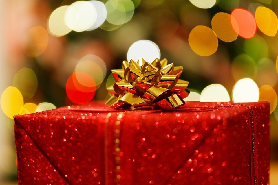 christmas-present-83119_960_720